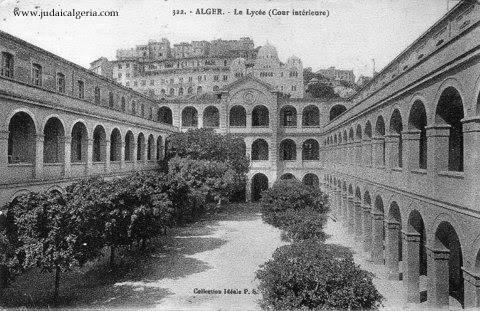 lycee-bugeaud-la-cour-interieure